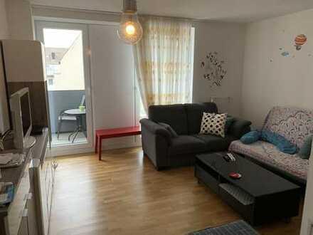 Zentrale und helle 3-Zimmer Wohnung mit Einbauküche in Köln, Altstadt & Neustadt-Süd