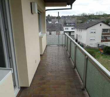 4 ZKB mit großem Balkon und EBK in Göttschied