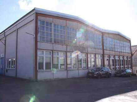 Großzügige Lager- oder Produktionsfläche im Zentrum Backnangs zu vermieten!