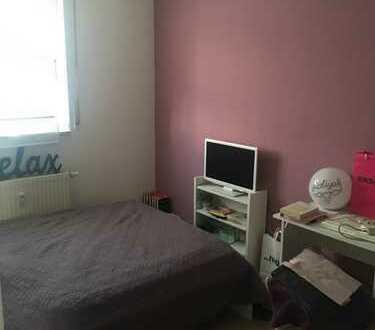 3-Zimmer-EG-Wohnung mit EBK und Balkon in Sürth, Köln