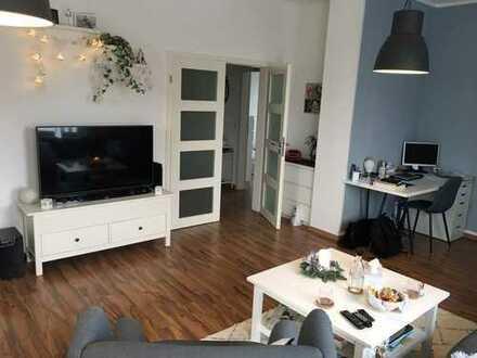 Neuwertige 2-Zimmer-Wohnung mit 20 qm Dachterrasse in OS/ Wüste