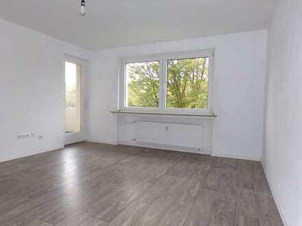 IN SANIERUNG & BEZUGSFERTIG DeZeMbEr 2021 3 Zimmer in der 1 Etage mit Balkon