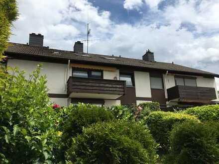 Gepflegte 4-Zimmer-Wohnung mit Balkon, Garage und EBK in Uni Nähe