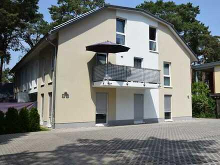 Wohnen im Grünen in gut geschnittener 3 Zimmerwohnung mit Terrasse