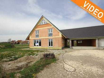 KFW 55! Rohbau eines großen Einfamilienhaus mit großer DGG und ausbaufähiger Fläche über der Garage!