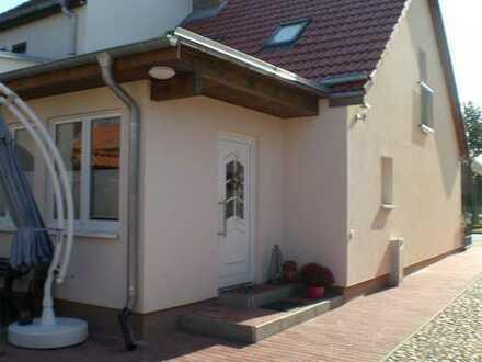 Schönes, geräumiges Haus mit zwei Zimmern und ein Vorraum in Potsdam-Mittelmark (Kreis), Nuthetal