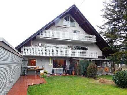 Feine Eigentumswohnung: Schick, hell, gut gelegen, Balkon, Garage