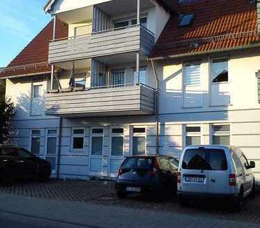 Ruhige, gepflegte 2-Zimmer-Wohnung mit Balkon und Einbauküche in Herrenberg
