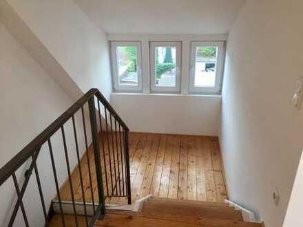 Schöne Maisionette-Wohnung im Saarlandstraßenviertel
