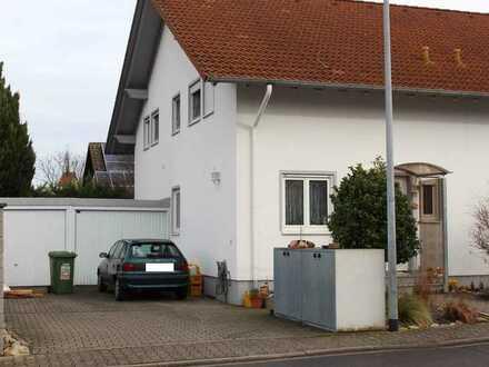 Helle Doppelhaushälfte mit Garten in Wonsheim/Rhh.