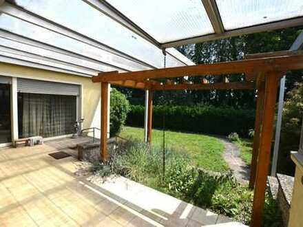 Großes, freistehendes Haus mit Garten in Bischofsheim - auch ideal als Anlageobjekt!