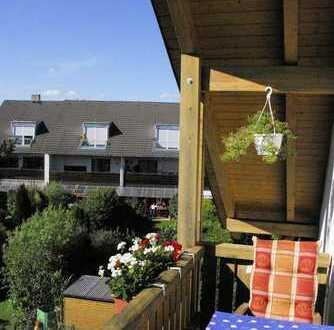 Sonnige Dachgeschosswohnung in ruhiger und grüner Lage
