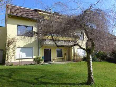Großzügiges Zweifamilienhaus mit Garten, 2 Garagen, nutzbar in 3 Einheiten, in ruhiger TOP-Lage