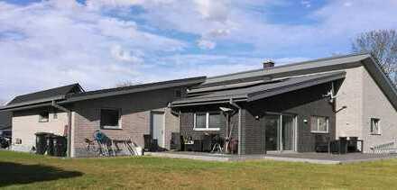 Hochwertiges ebenerdiges Einfamilienhaus (KFW Effizienzhaus 40% Plus)