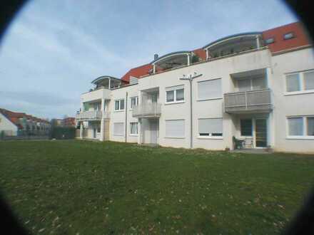 Schöne Single-Wohnung mit Balkon