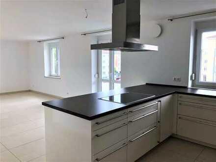 ** Moderne 4 ZKB Wohnung inkl. hochwertige Einbauküche in Top-Lage**