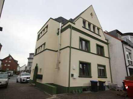 Wunderschöne, neue 2 Zimmer Whg. mit separatem Eingang, möbliert Bestlage Lage Longerich 