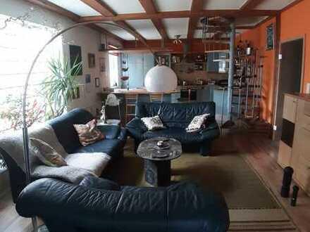 Modernisierte 4-Raum-Maisonette-Wohnung mit wunderschöner Dachterrasse und EBK in Oberplanitz