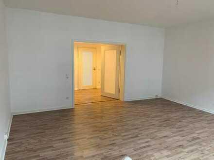 sehr großzügige 4 Zimmer Wohnung mit 155 qm in der Mannheimer Innenstadt, WG geeignet