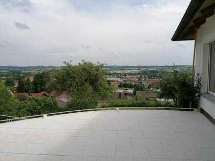 Erstbezug nach Sanierung: 4-Zimmer-EG-Wohnung in EFH mit Terrasse in Pfarrkirchen