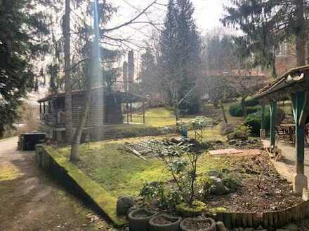 E&Co. - Sehr schönes Hang-Grundstück mit Blick über Andechs für Einfamilienhaus mit Altbestand
