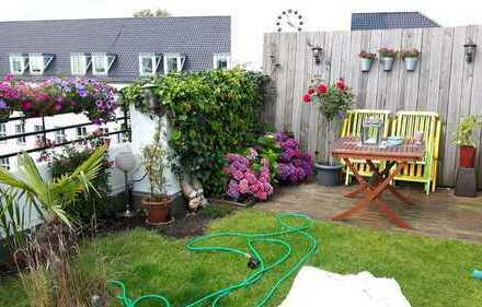 Außergewöhnliche, helle 3-Zimmer-Wohnung mit Balkonen, Garten und Einbauküche im Herzen von Moers