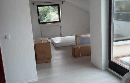 3,5-Zimmer-DG-Wohnung mit Balkon