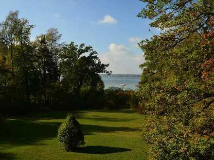 Erste Reihe am See, beeindruckenes Grundstück, kernsaniertes EFH