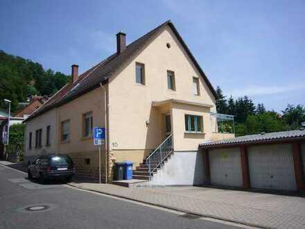 1-Familienhaus,2 Etagen,132 qm+Speicher+großer trockner Keller mit Zugang zu Garage,saniert