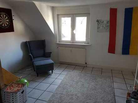 Helles 12qm Zimmer in großer 2er WG