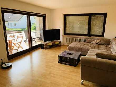 Helle 3-Zimmer-Wohnung mit Weitblick - Balkon / EBK / Gäste-WC