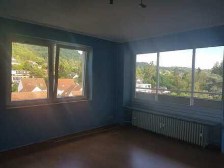 Freundliche 3-Zimmer-Wohnung mit Blick auf das Auerbacher Schloss