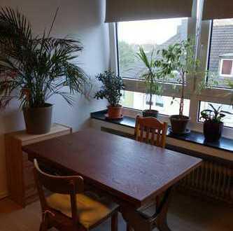 Attraktive 2-Zimmer-Dachgeschosswohnung mit Balkon und EBK