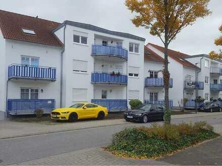 Helle, gepflegte Dachgeschosswohnung, ruhig gelegen, Balkon, Tageslichtbad, TG
