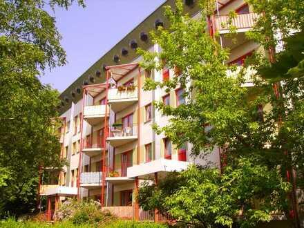 Individuelle 3-Zimmer-Wohnung auf 2-Ebenen und Balkon im Erdgeschoss!