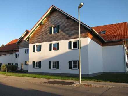 Exklusive, helle und neuwertige 2-Zimmer-Wohnung in Fuchstal/Asch (Bezugsalter min. 55 Jahre)