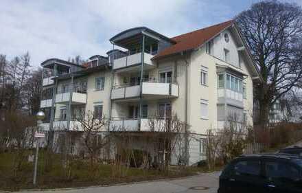Gepflegte 3-Zimmer-DG-Wohnung mit Balkon und EBK in Kempten (Allgäu)