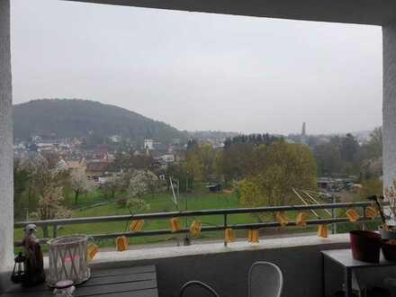 Gepflegte 2-Zimmer-Maisonette-Wohnung mit Balkon und EBK in Pfinztal-Berghausen