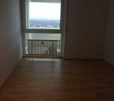 Modernisierte 2-Zimmer-Wohnung mit Balkon und Einbauküche in PLOCHINGEN