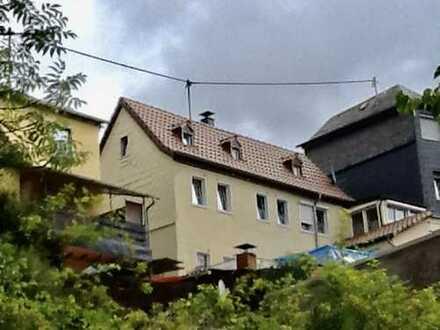 Exklusives und modernisiertes Haus mit fünf Zimmern in Idar-Oberstein