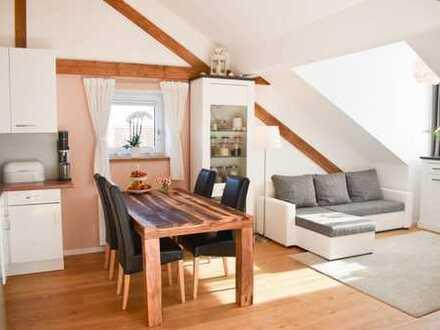 Traumhafte 3-Zimmer-Dachgeschosswohnung mit Einbauküche und Süd-Dachterrasse in Germering