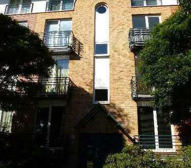 Zwei-Zimmer Dachgeschoss-Wohnung nahe Universität