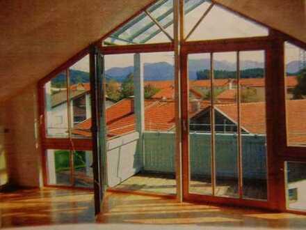3-Zimmer-Dachgeschosswohnung mit Bergblick in Traunstein (tatsächliche Wohnfläche 90 qm)