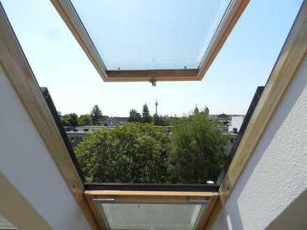 Lichtdurchflutete, solide, drei Zimmer Maisonette Wohnung in Düsseldorf, Oberkassel