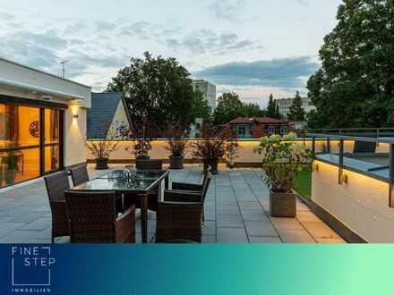 Erstbezug nach Renovierung: Penthousewohnung mit ca. 100 qm Dachterrasse