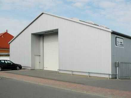 Werkstatthalle mit Büro- und Sozialräumen