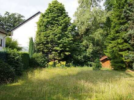 Baugrundstück in Süd-/Westausrichtung mit einer bereits bestehenden Garage in Lev.-Steinbüchel!