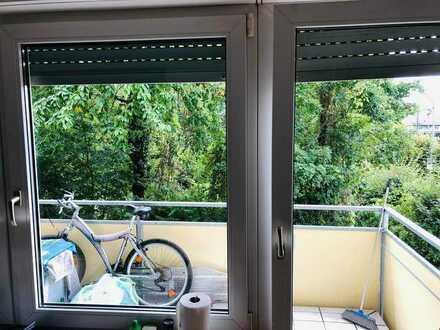 Stilvolle, geräumige und vollständig renovierte 1-Zimmer-Wohnung mit Balkon in Stuttgart