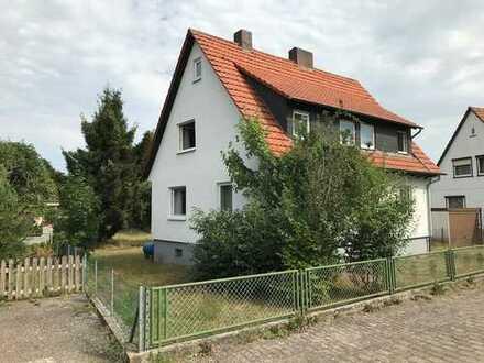 Reduziert!! Freistehendes Ein- bis Zweifamilienhaus auf großzügigem Grundstück