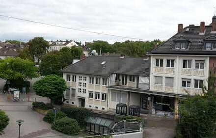 Schöne, geräumige zwei Zimmer Wohnung in Fußgängerzone WG geeignet